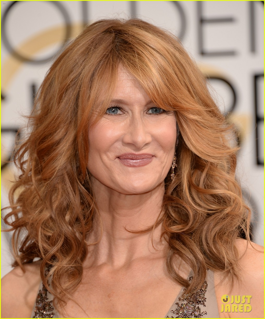 laura dern golden globes 2014 red carpet 053029494