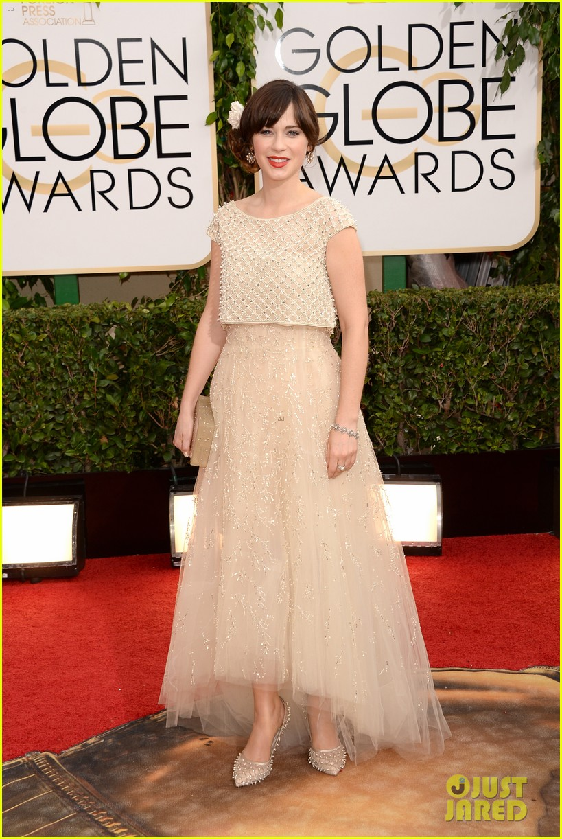 zooey deschanel golden globes 2014 red carpet 083029104