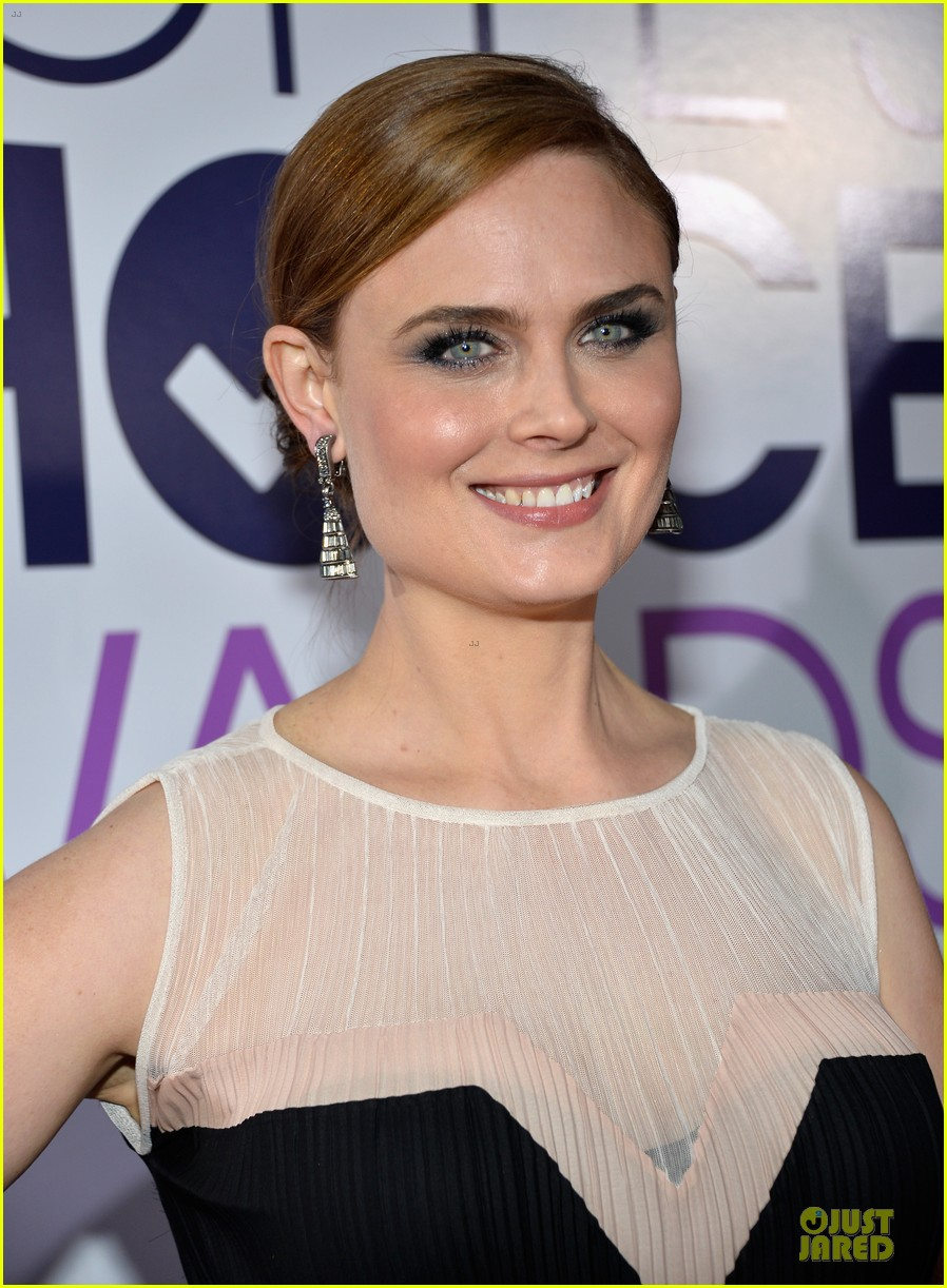 Deschanel Emily Twitter Emily Deschanel People 39 s