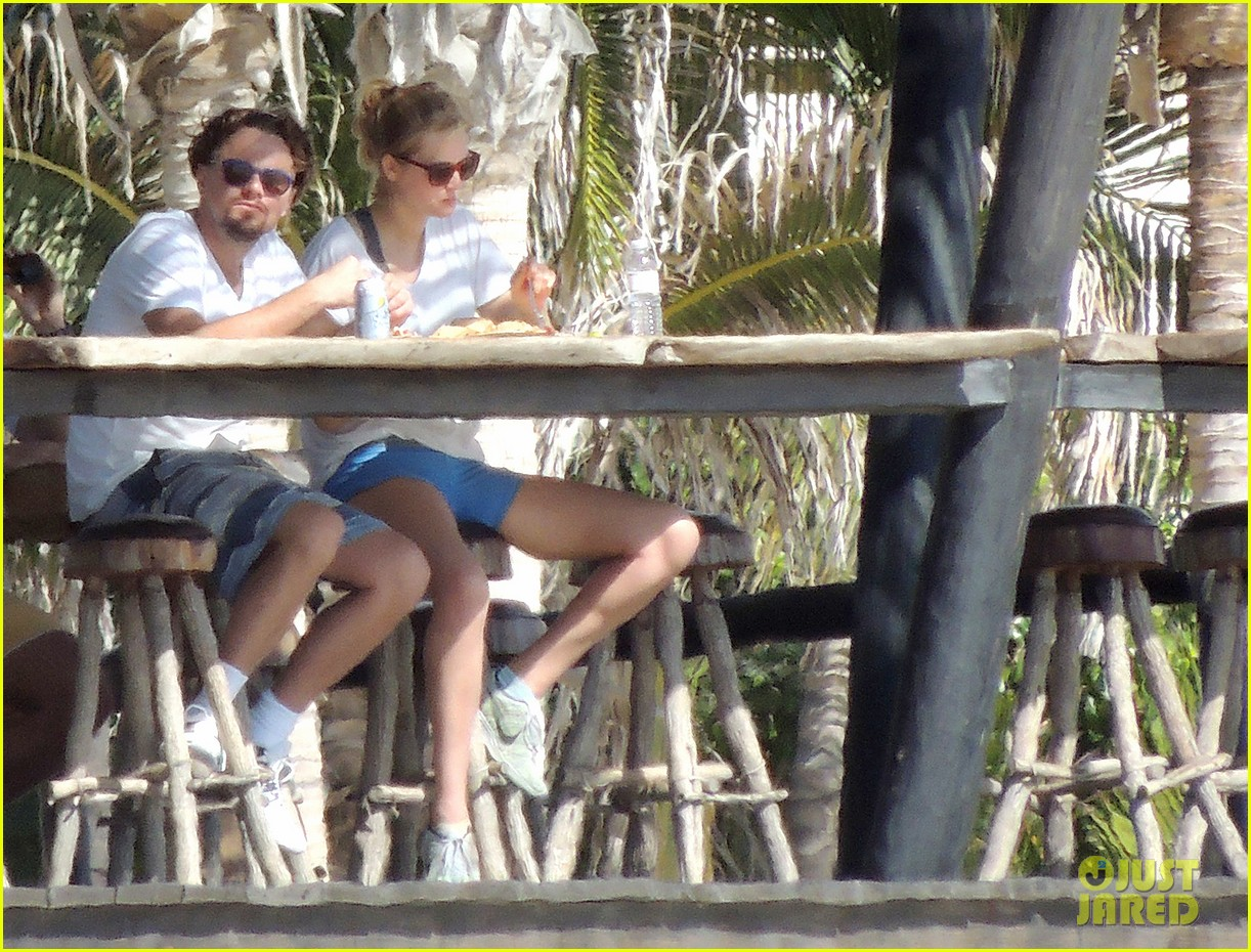leonardo dicaprio starts the new year with girlfriend toni garrn 043021655