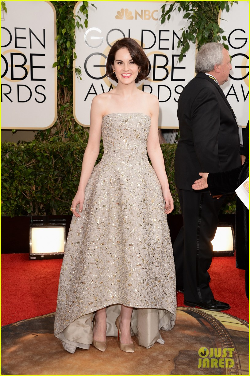 michelle dockery golden globes 2014 red carpet 03