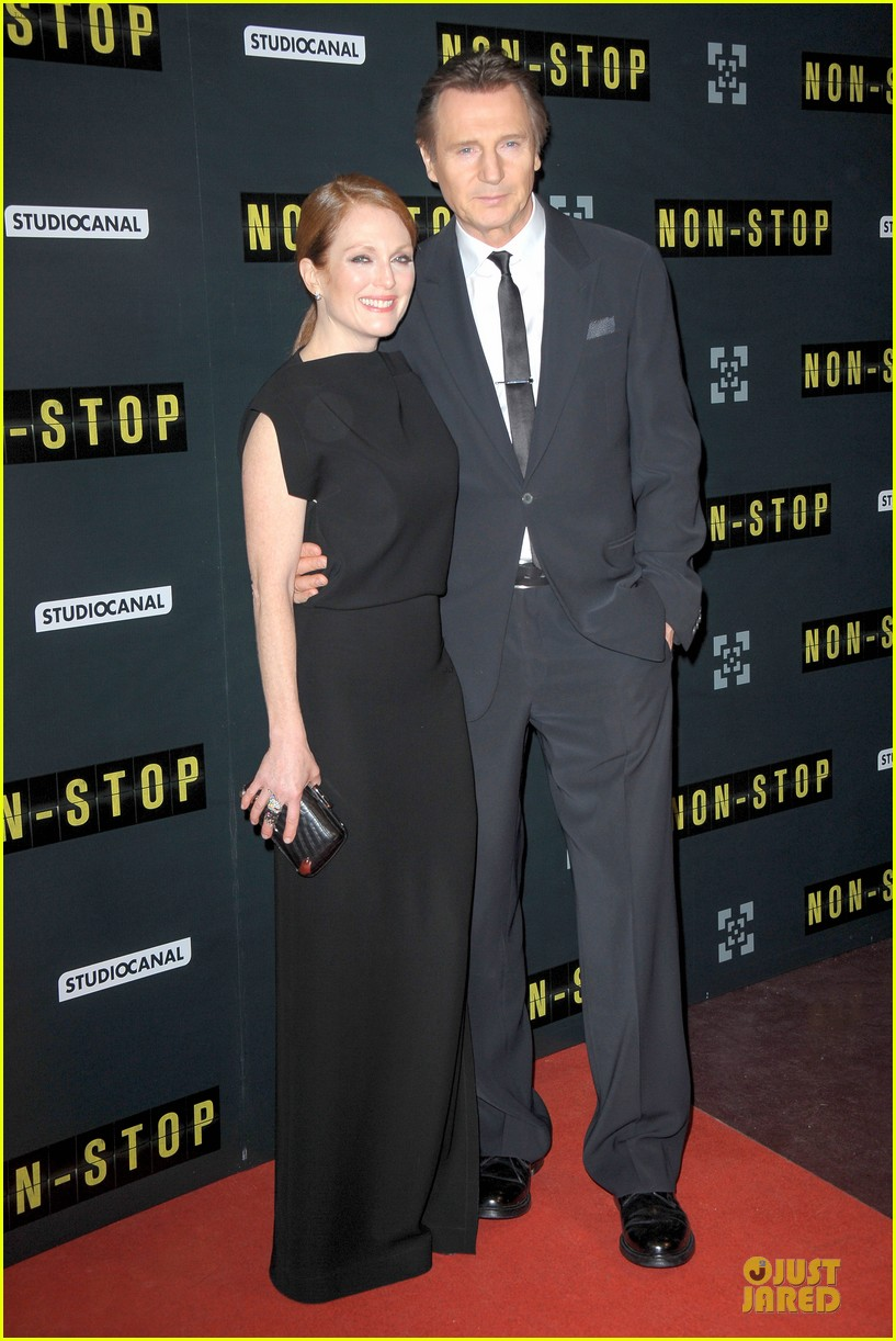 michelle dockery julianne moore non stop paris premiere 03
