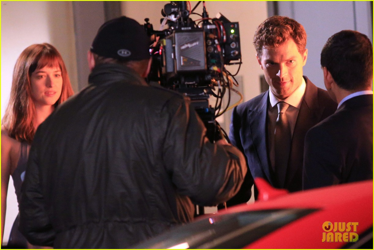 jamie dornan dakota johnson anastasia gets her new car 27