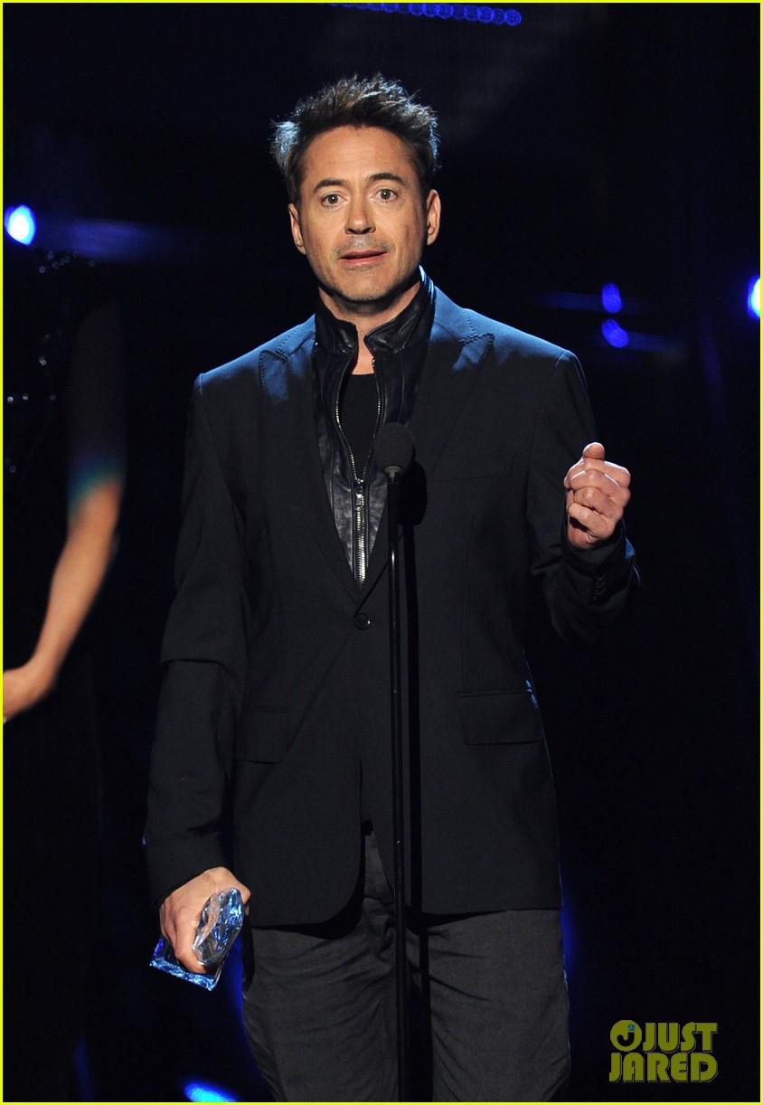 robert downey jr wins favorite action movie star at pcas 053025897