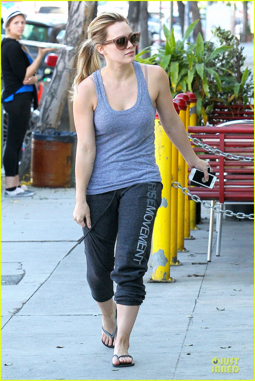 hilary duff weekend flea market stop with luca 11