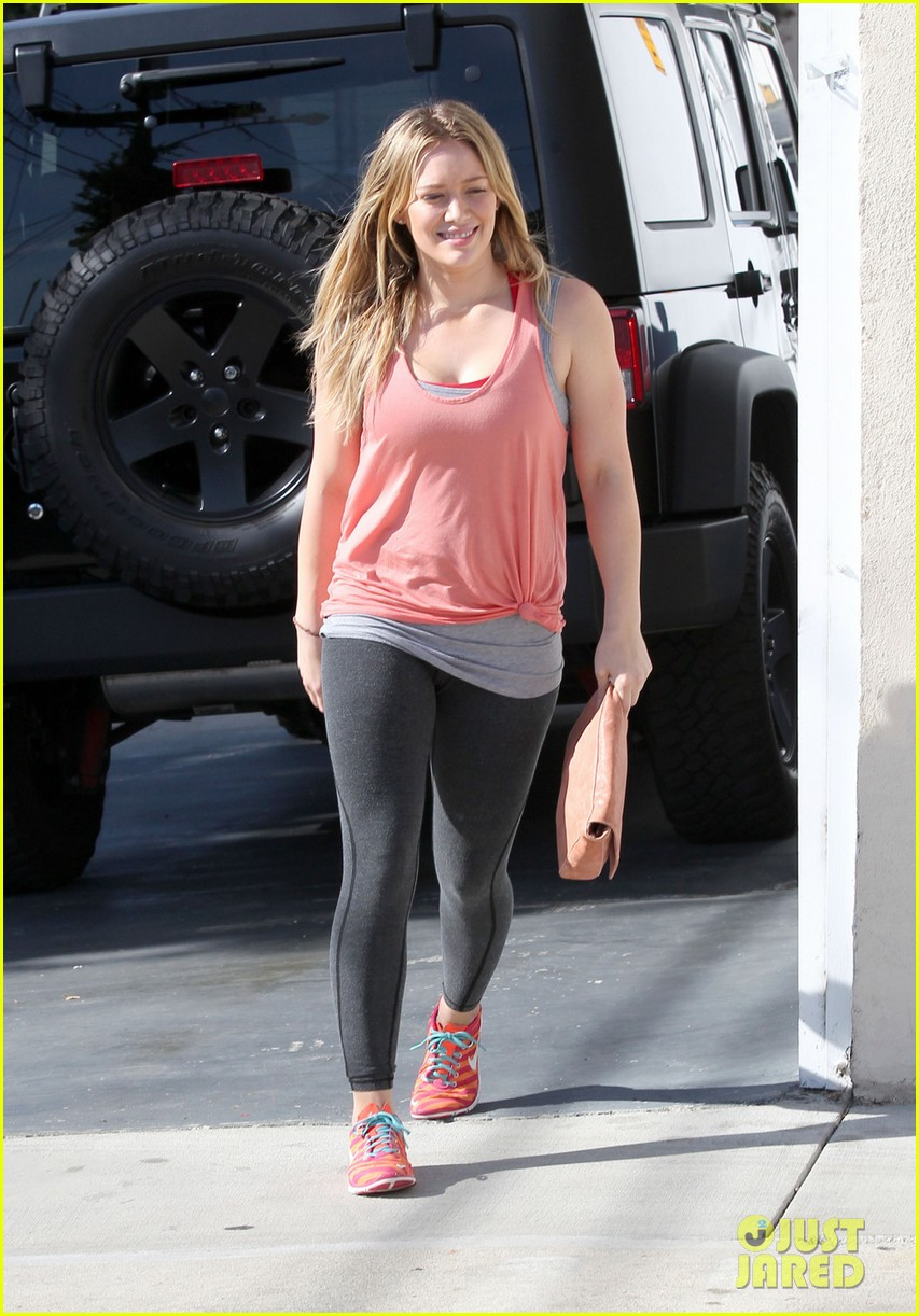 hilary duff films real girls kitchen with bib sis haylie 033037191