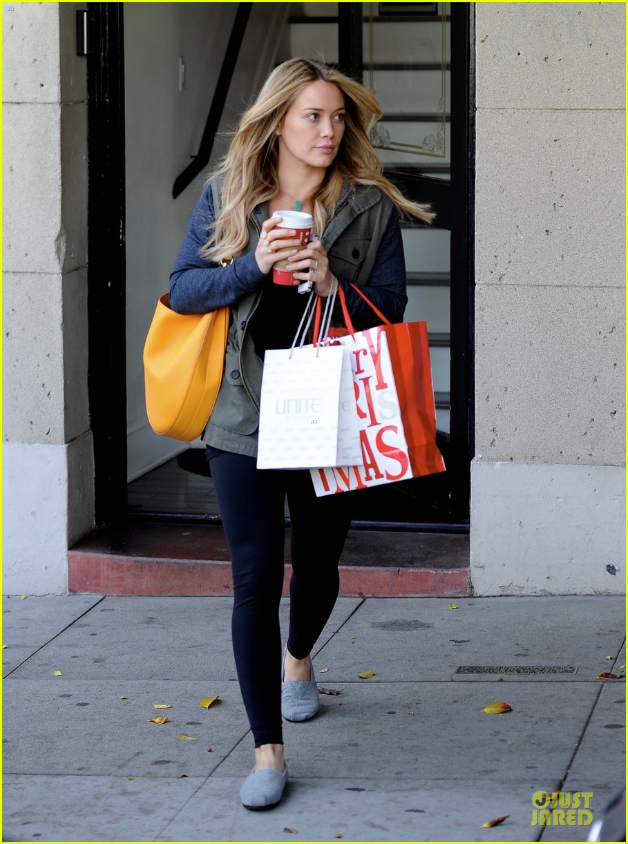 hilary duff park date with luca after hair appointment 15
