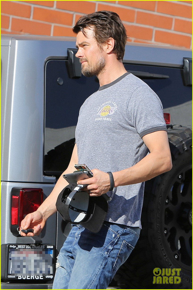 josh duhamel back in la after teaming up with pedigree at sundance 02