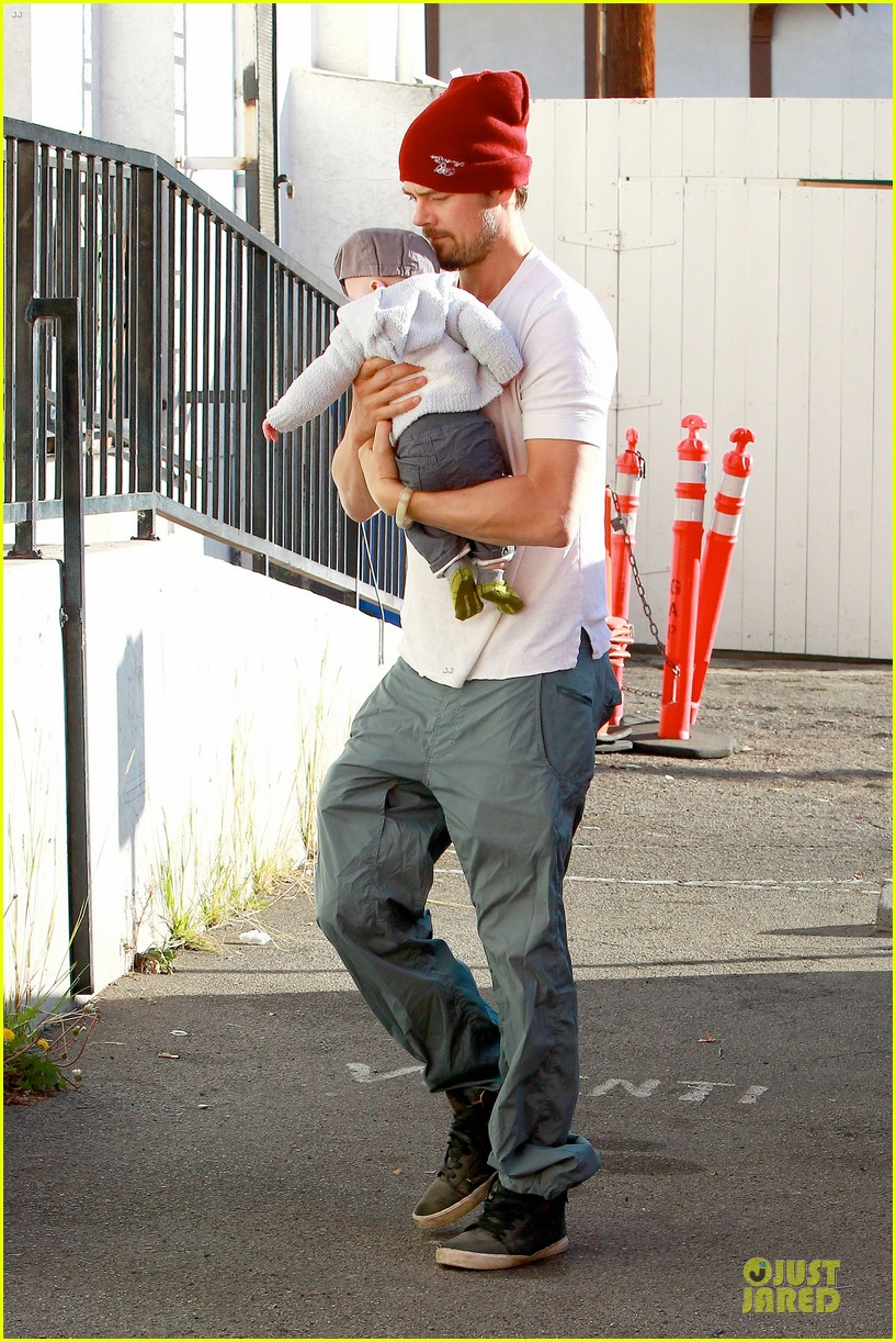 fergie josh duhamel celebrate fifth wedding anniversary 05