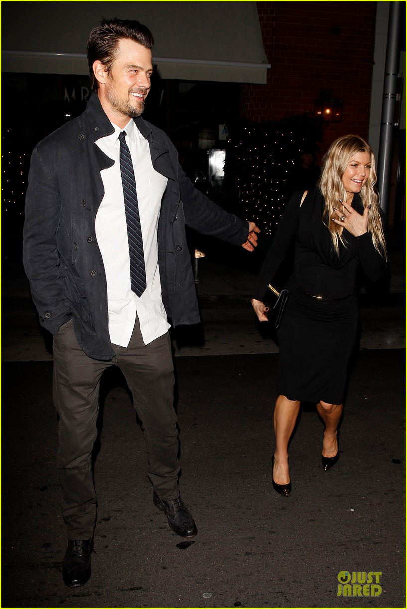 fergie josh duhamel celebrate fifth wedding anniversary 103027854