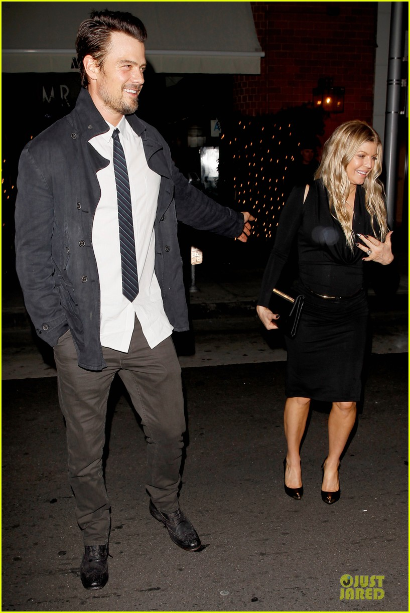 fergie josh duhamel celebrate fifth wedding anniversary 15