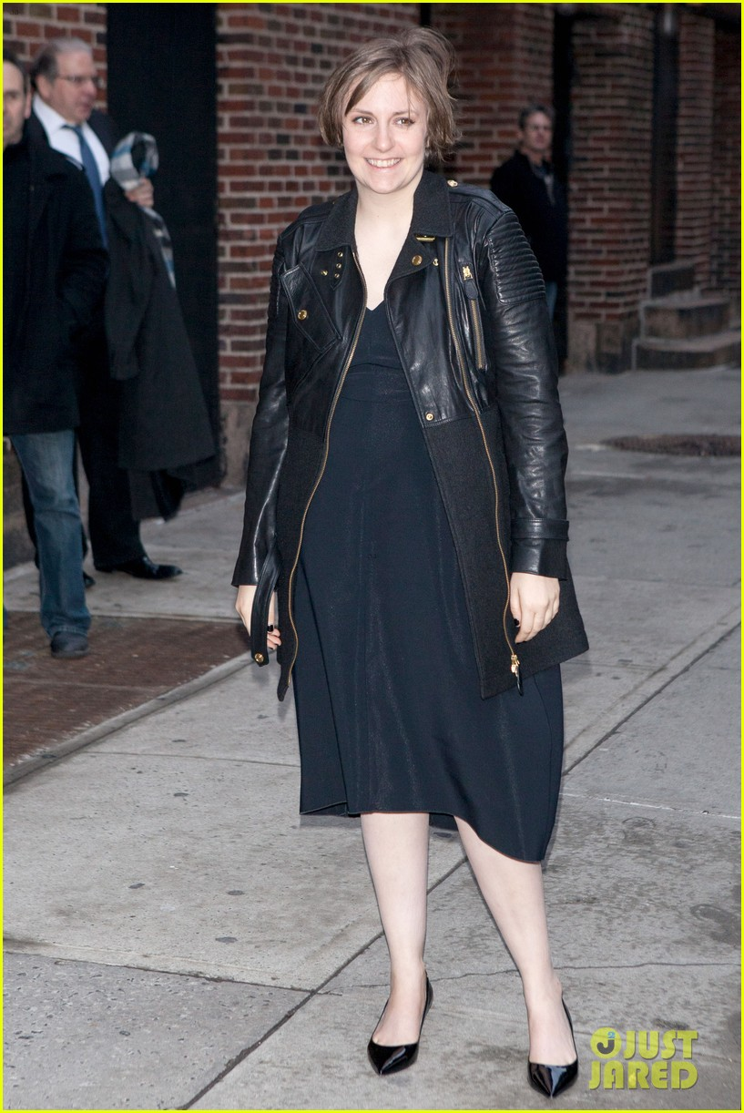 lena dunham max greenfield david letterman guests 073024359