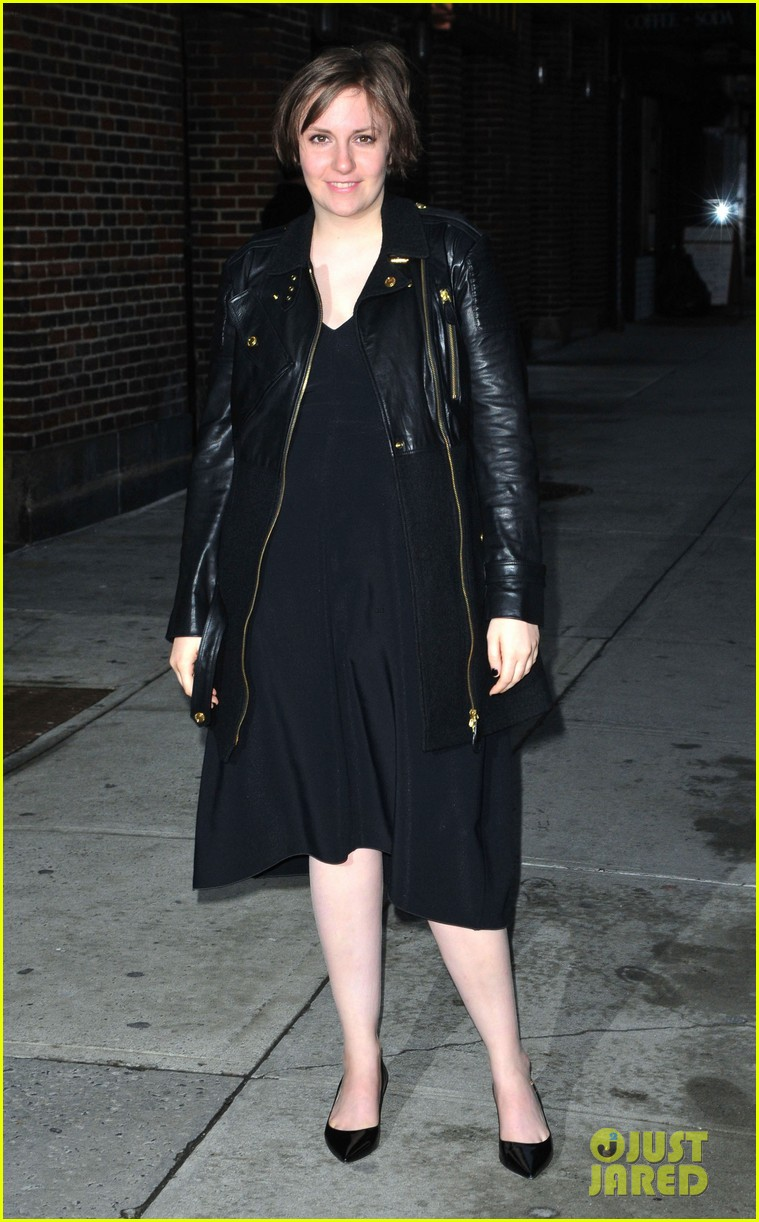 lena dunham max greenfield david letterman guests 11