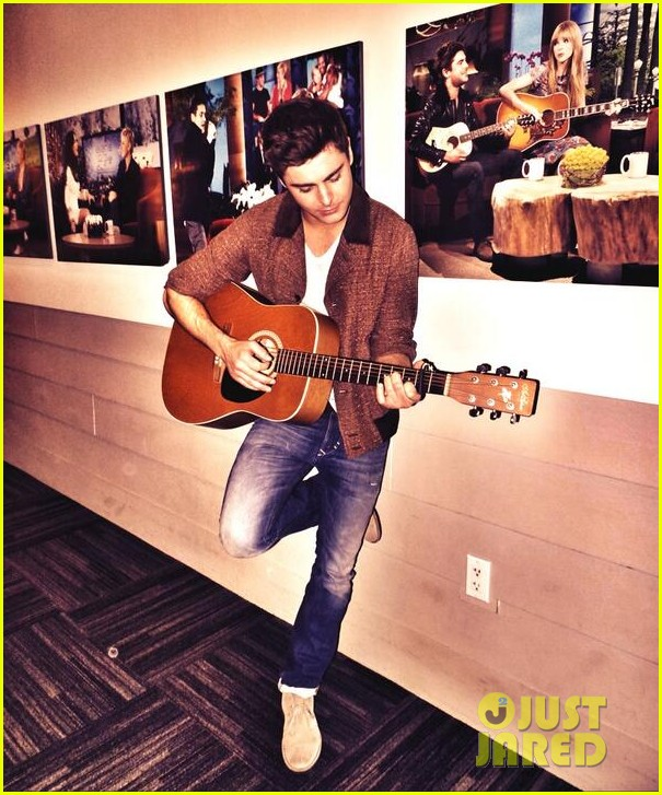 zac efron sings plays guitar for ellen degeneres birthday watch now 013044310