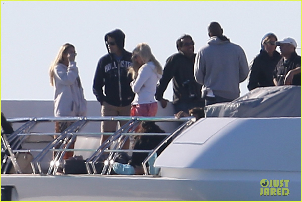 entourage movie begins filming in miami set photos here 09