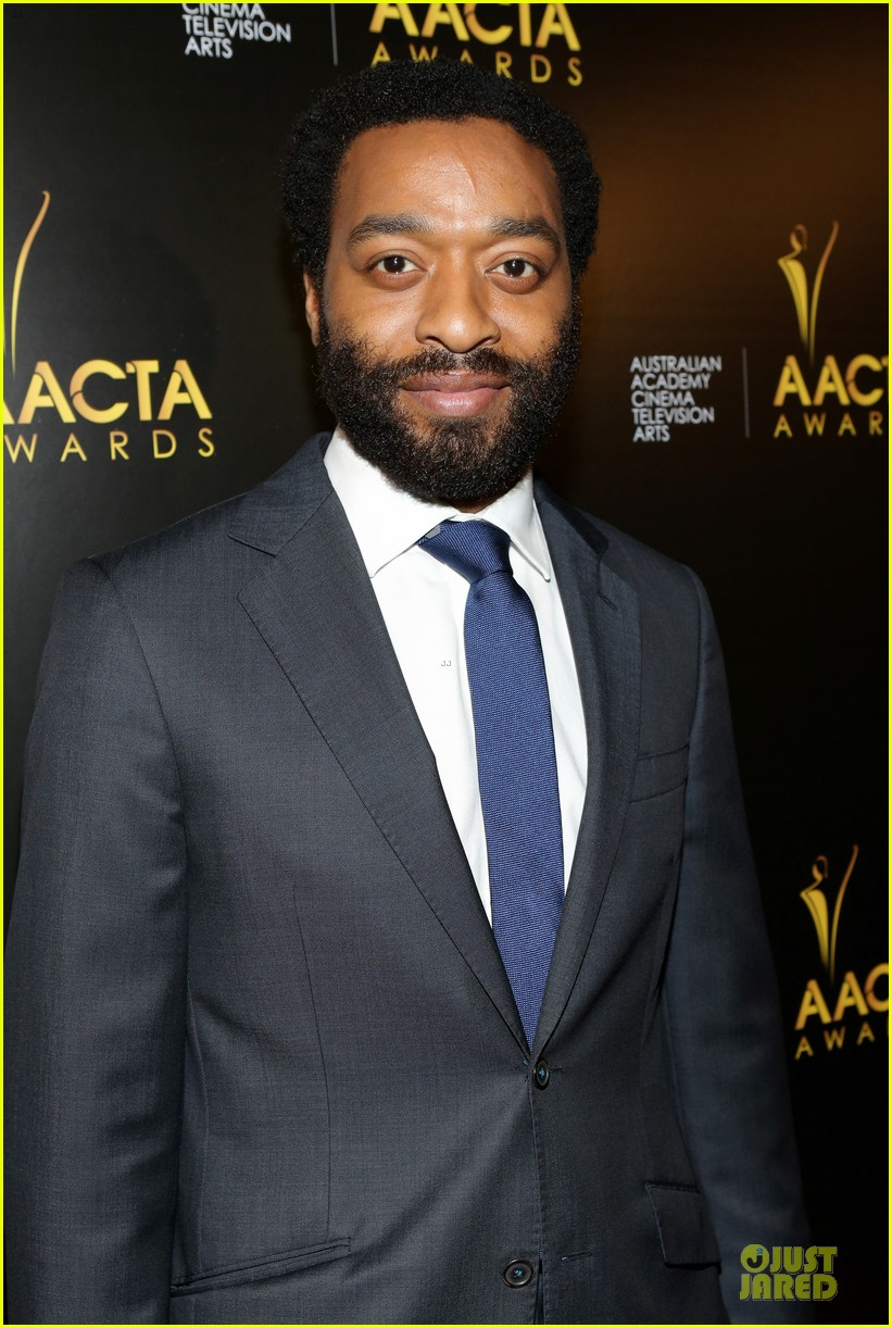 michael fassbender chiwetel ejiofor winners at aacta awards 2014 13