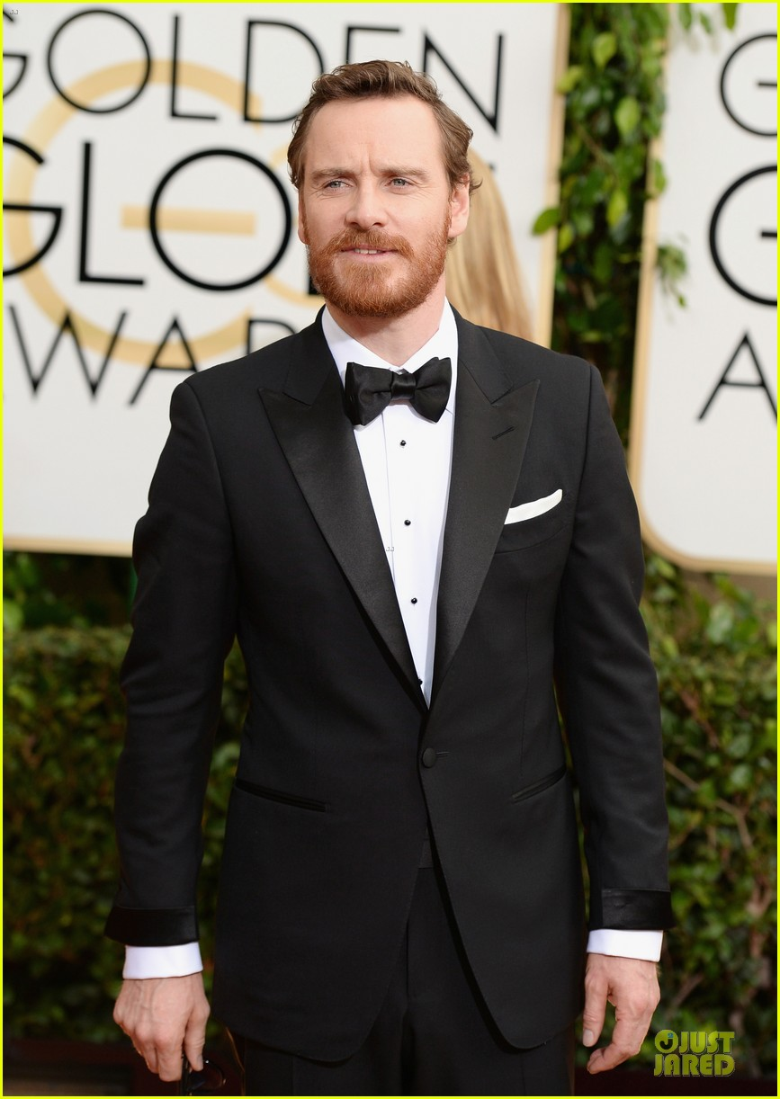 michael fassbender golden globes 2014 red carpet 08