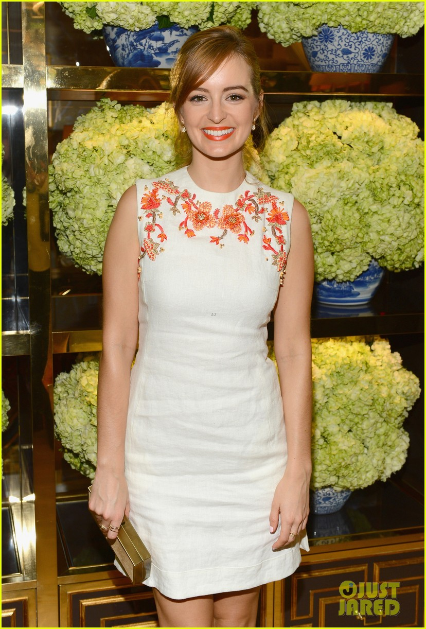 isla fisher ahna oreilly tory burch flagship store opening 05