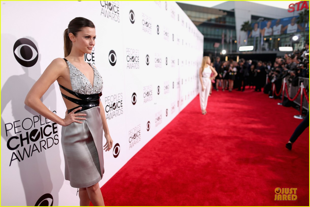 olga fonda joseph morgan peoples choice awards 2014 083025765