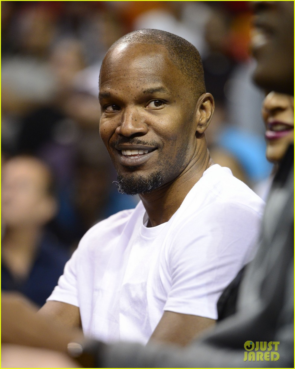 jamie foxx courtside at miami heat game 013022062