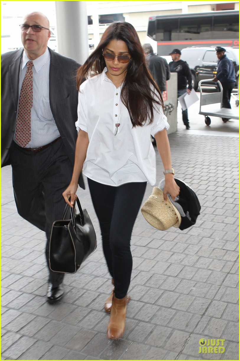 freida pinto first lax departure in the new year 03