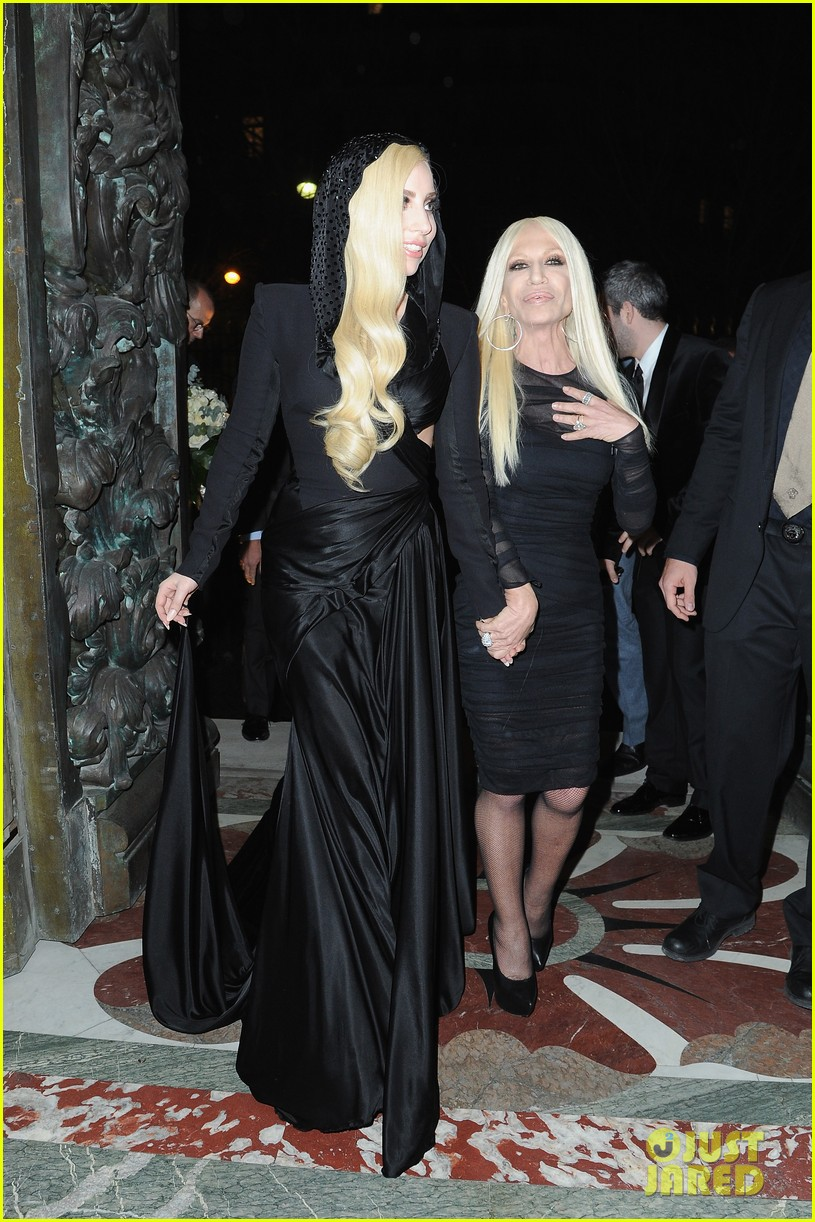 lady gaga front row at atelier versace paris show 11