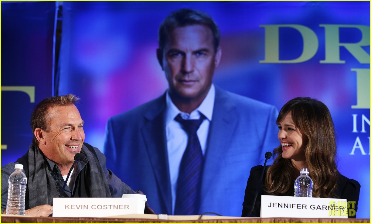 jennifer garner kevin costner draft day super bowl commercial watch now 063045213