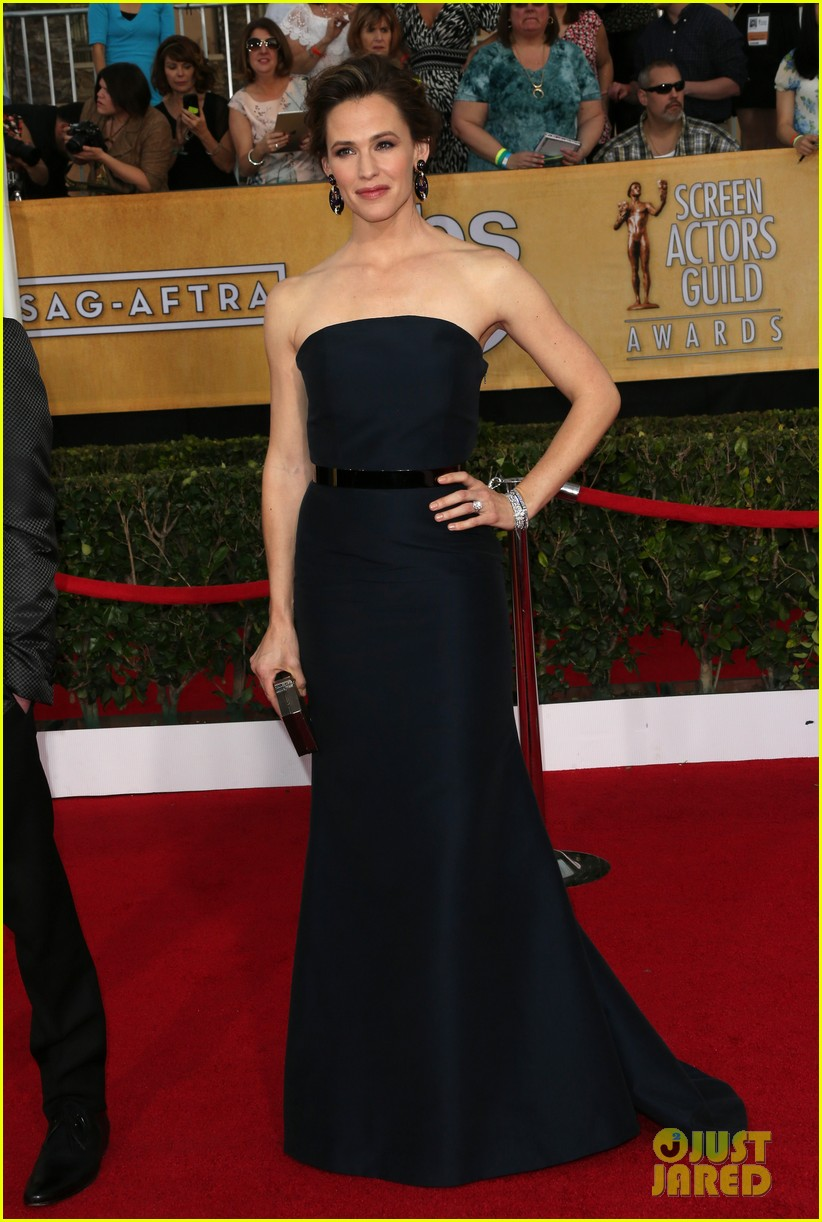 jennifer garner sag awards 2014 red carpet 04