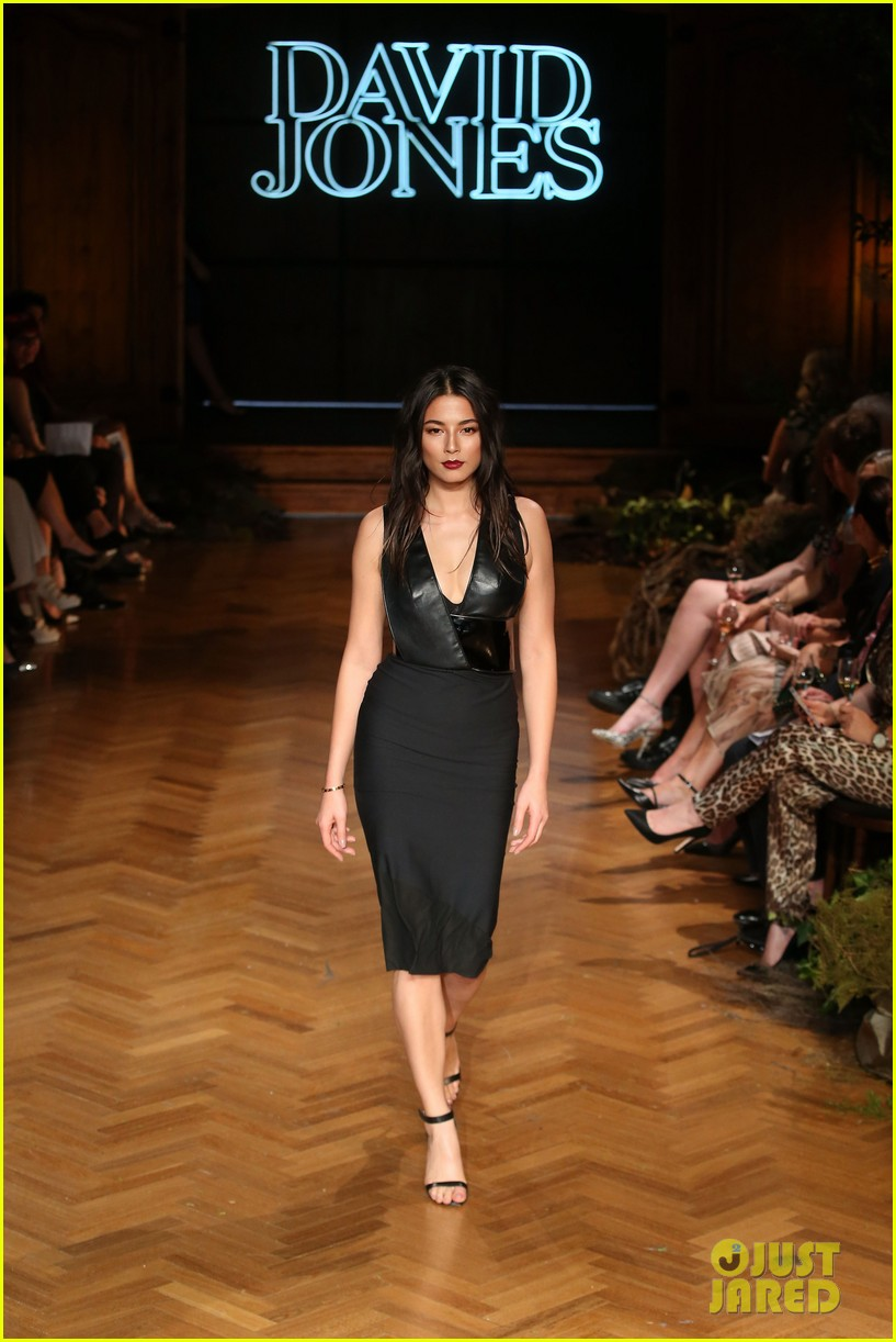 jessica gomes hits the runway for david jones collection launch 023044065