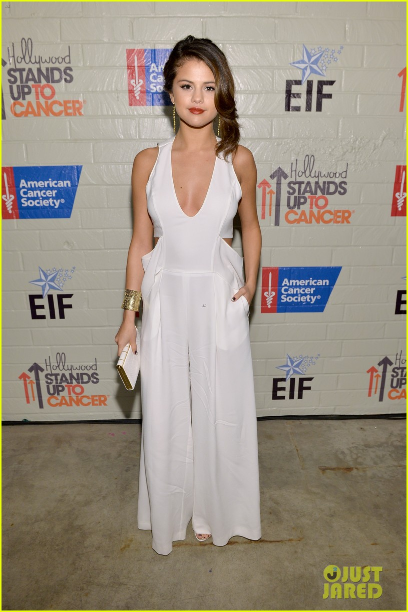 selena gomez lily collins help hollywood stand up to cancer 013043214