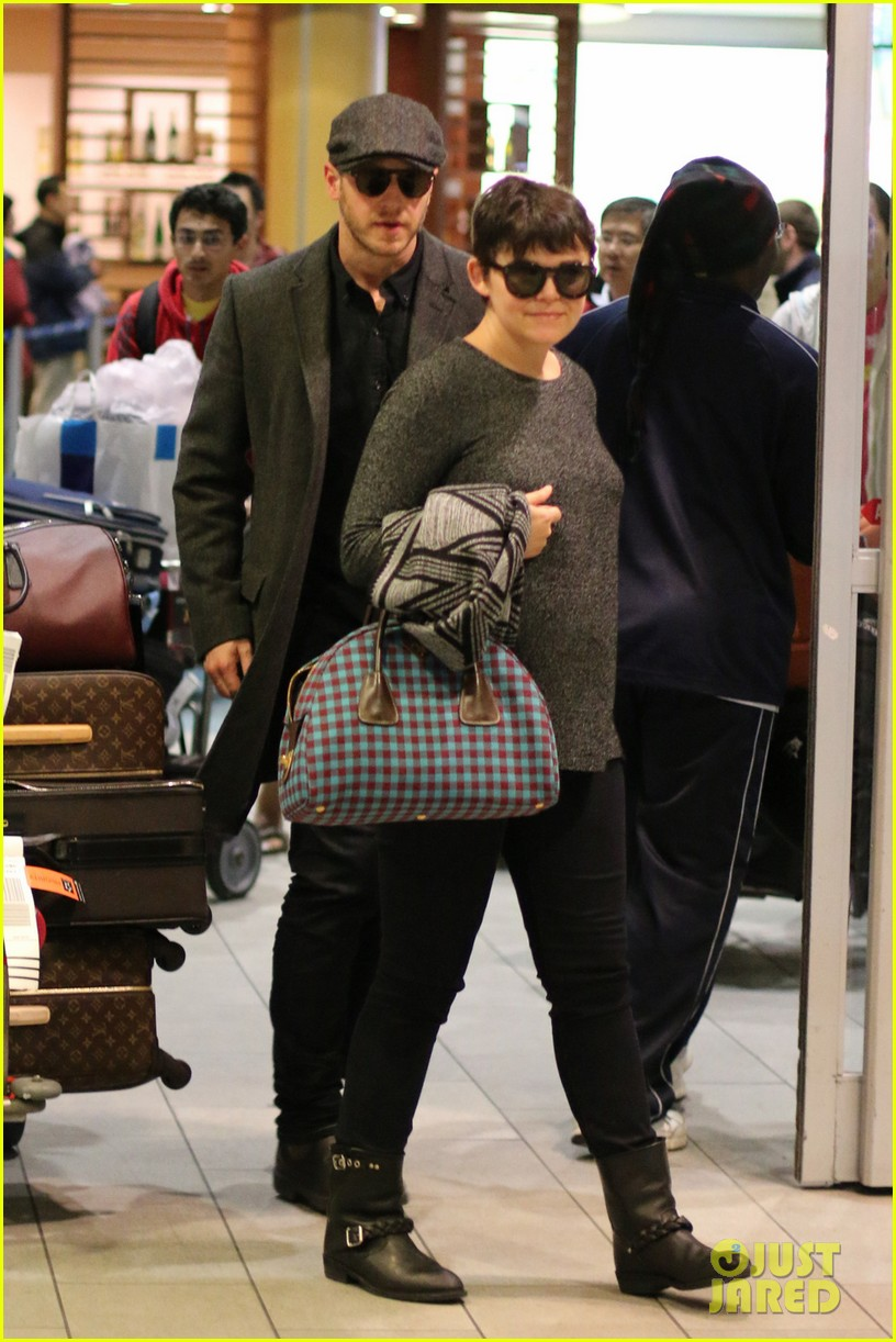 ginnifer goodwin josh dallas look so in love in vancouver 02