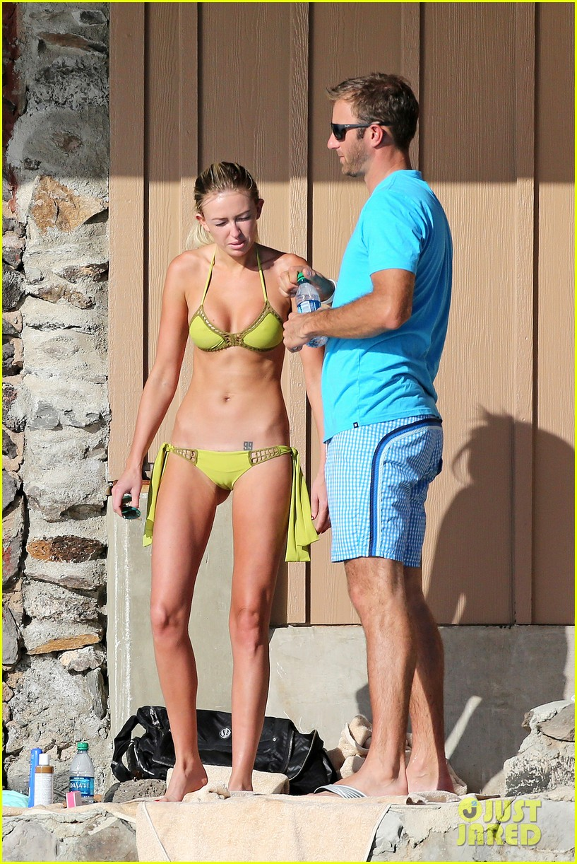 paulina gretzky golfer dustin johnson beach bods in hawaii 063023923