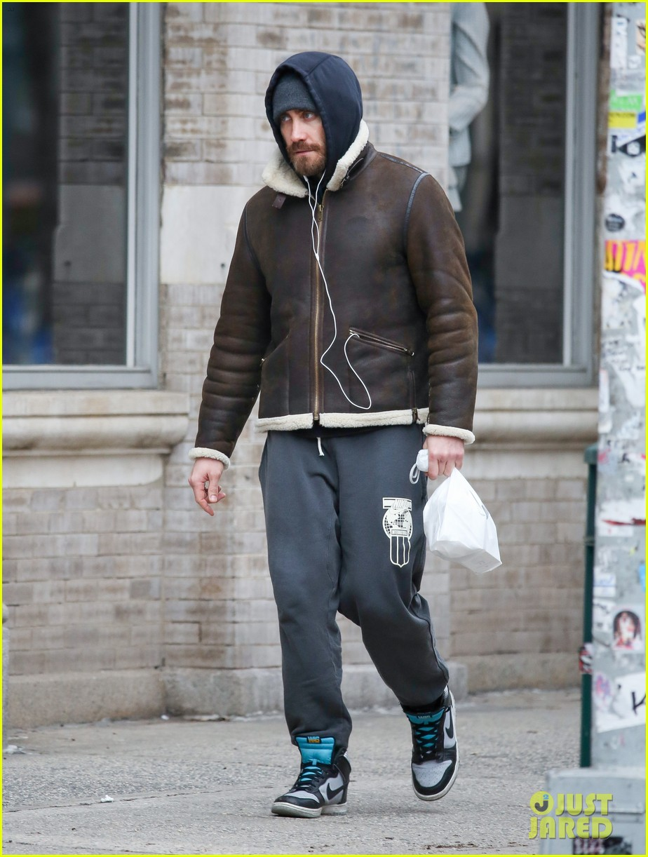 jake gyllenhaalj jay z meatpacking district meeting 023033492