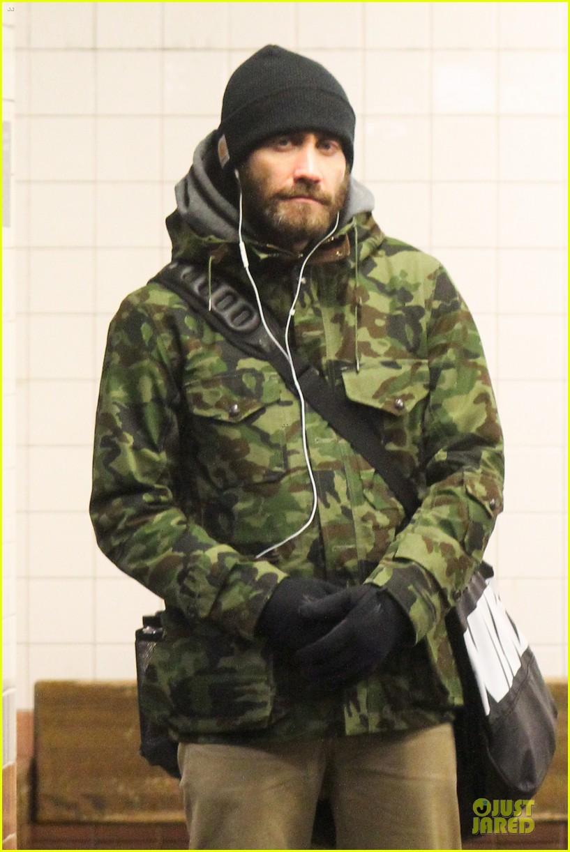 jake gyllenhaal steps out after rumored split with alyssa miller 06