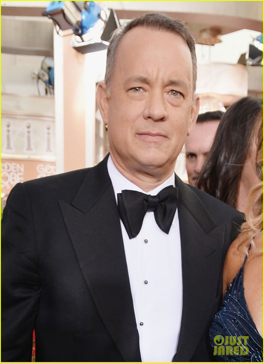 tom hanks rita wilson golden globes 2014 red carpet 02