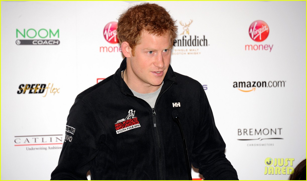 prince harry debuts freshly shaved face at south pole press conference 08
