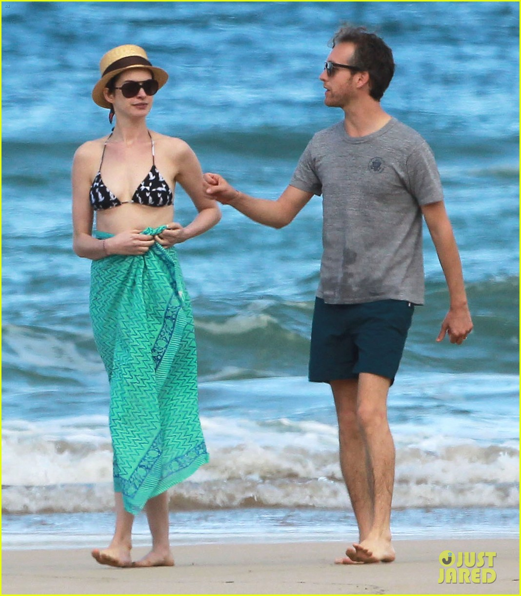 anne hathaway dons bikini top for hawaii beach stroll 303026001