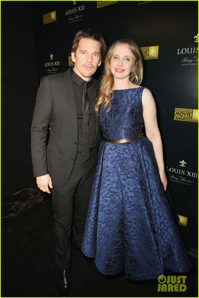 ethan hawke julie delpy win at critics choice awards 2014 153033139