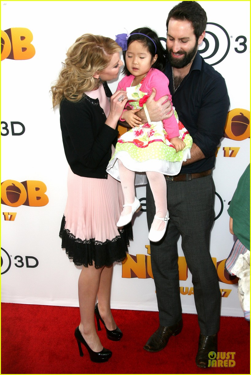 katherine heigl josh kelley nut job premiere with naleigh 14
