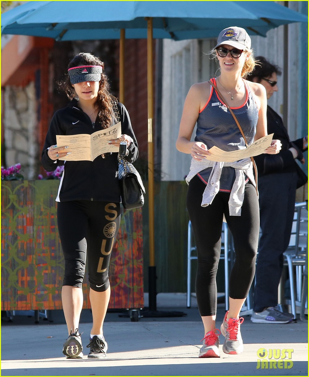 vanessa hudgens hikes her way into the new year 163021640