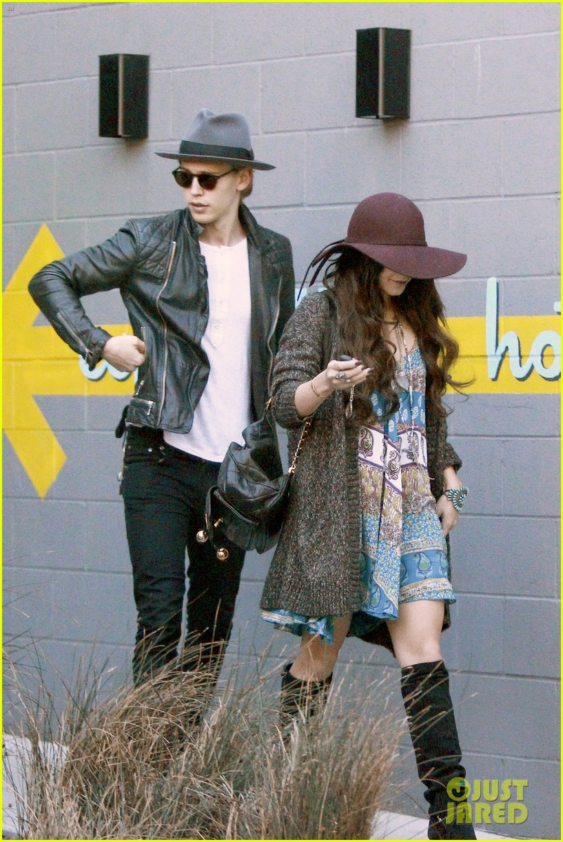 vanessa hudgens hangs with austin butler before leno taping 083032284