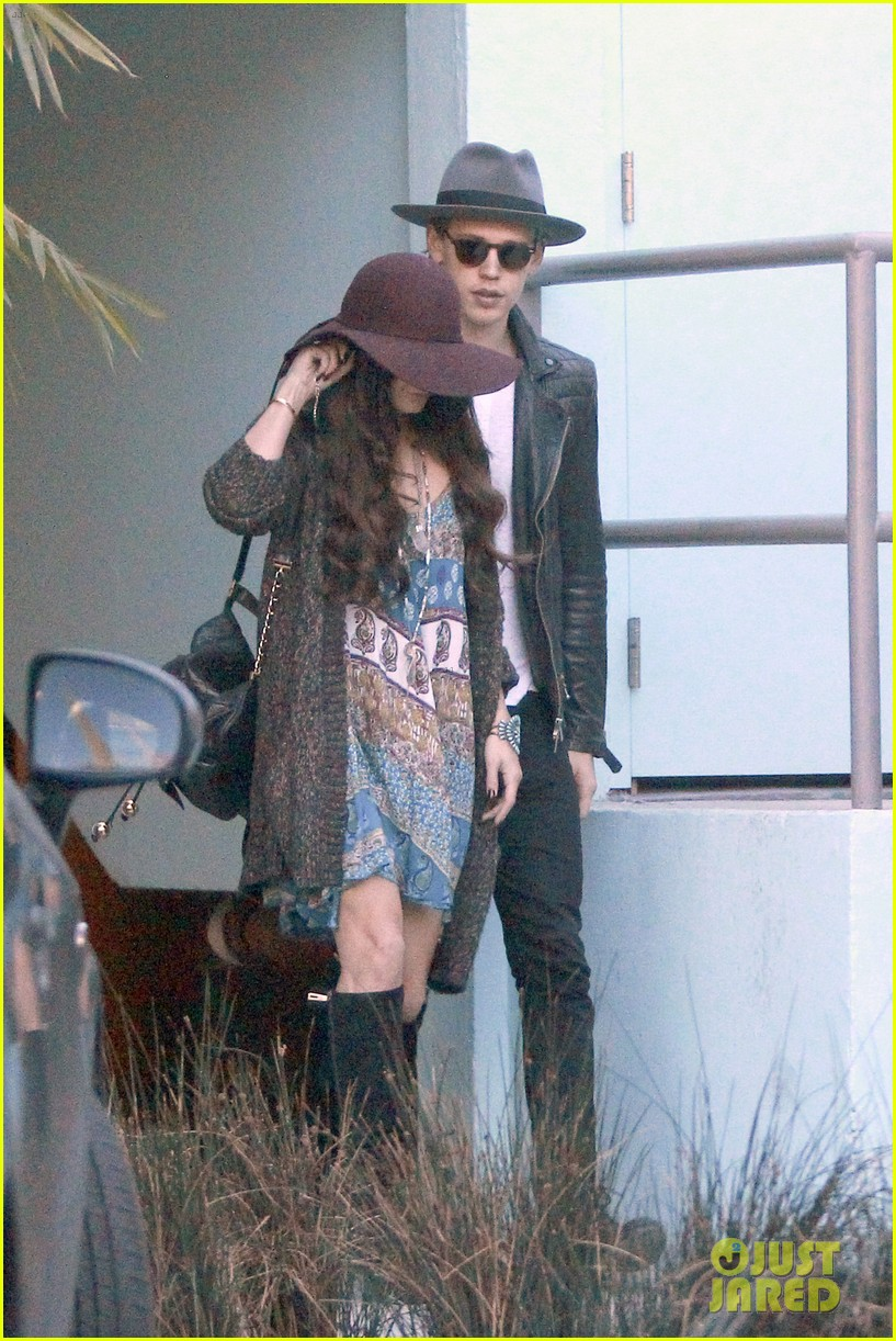 vanessa hudgens hangs with austin butler before leno taping 203032296