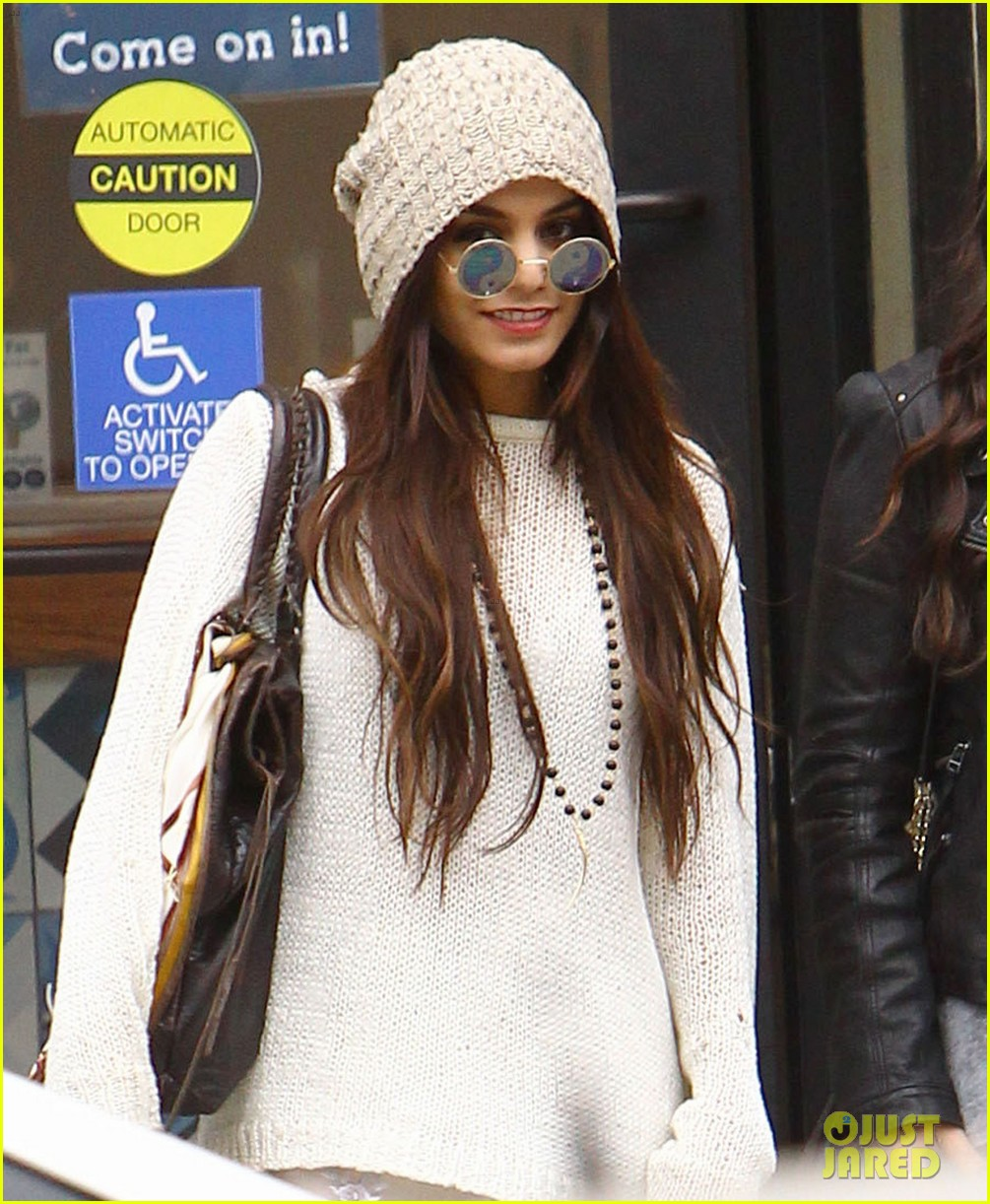 vanessa hudgens channels yoko ono in boho sunglasses 04