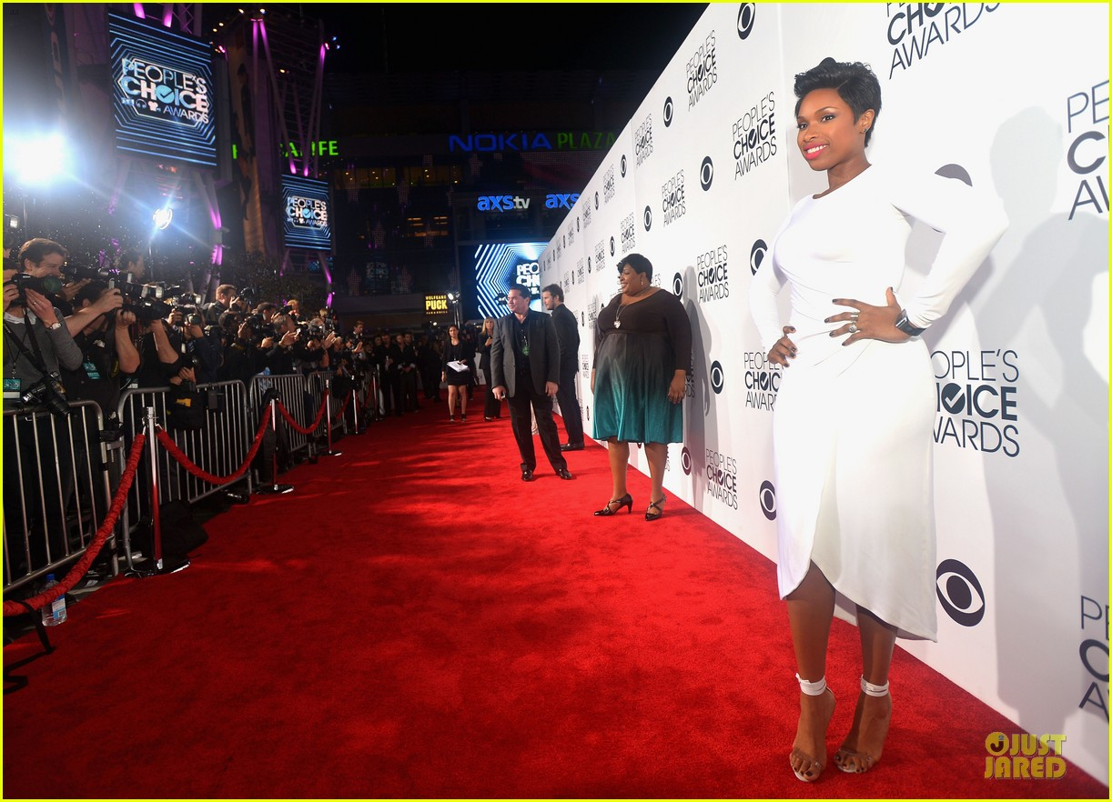 jennifer hudson peoples choice awards 2014 red carpet 05