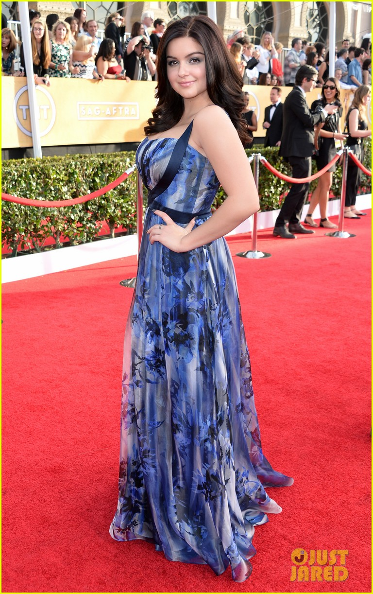 sarah hyland ariel winter sag awards 2014 red carpet 15