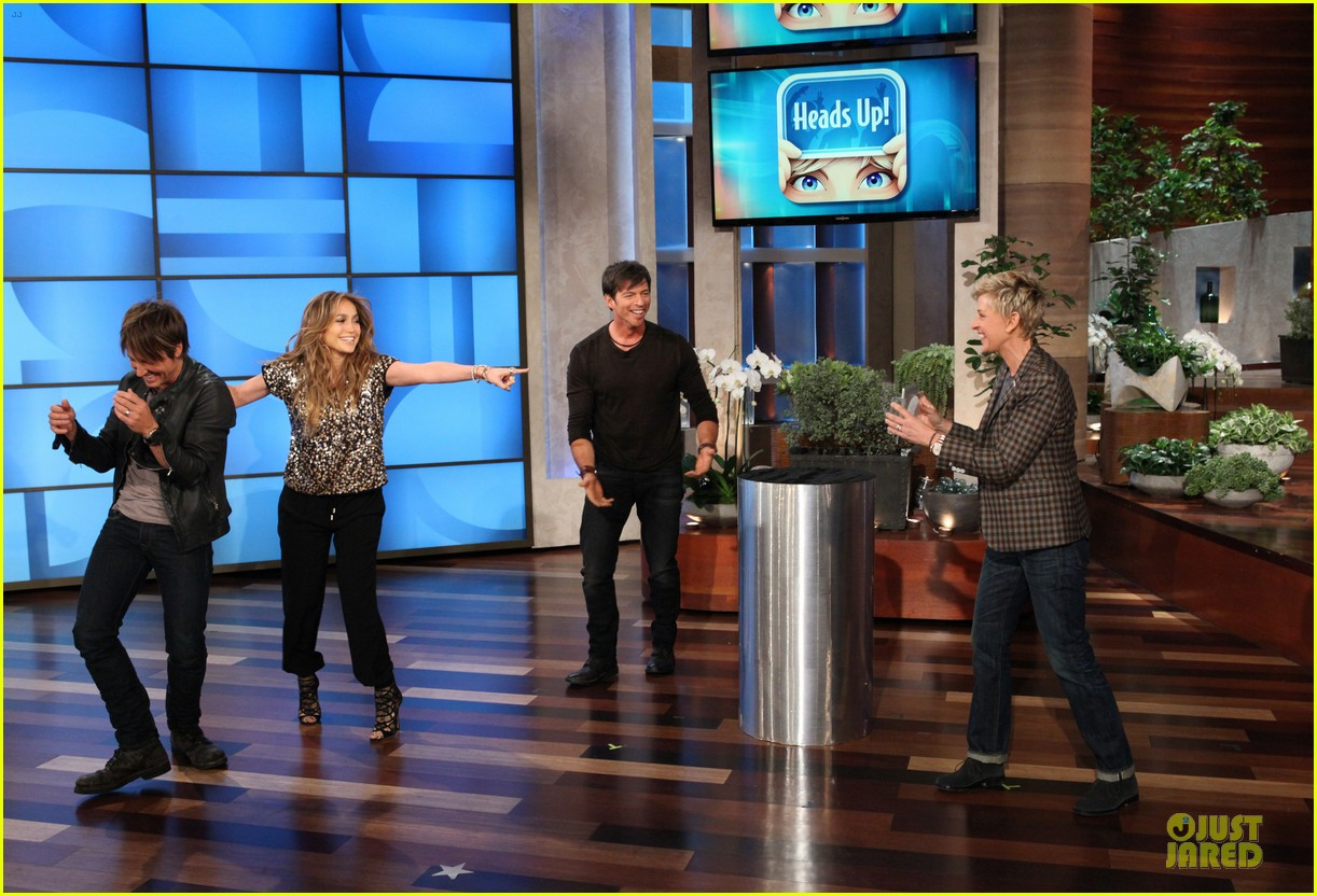 american idol judges play heads up on ellen 053031594