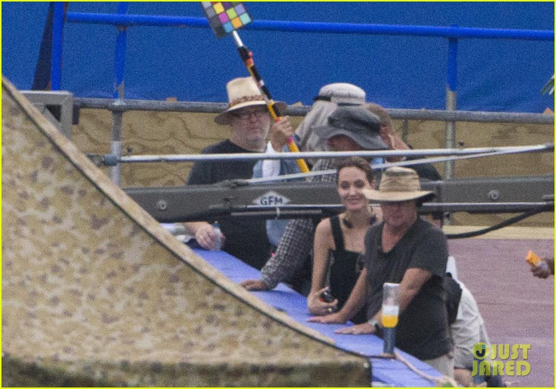 angelina jolie continues directing unbroken in australia 243039272