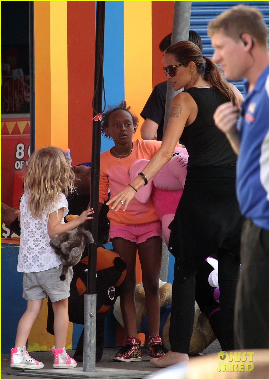 angelina jolie luna park fun with the kids 033024376