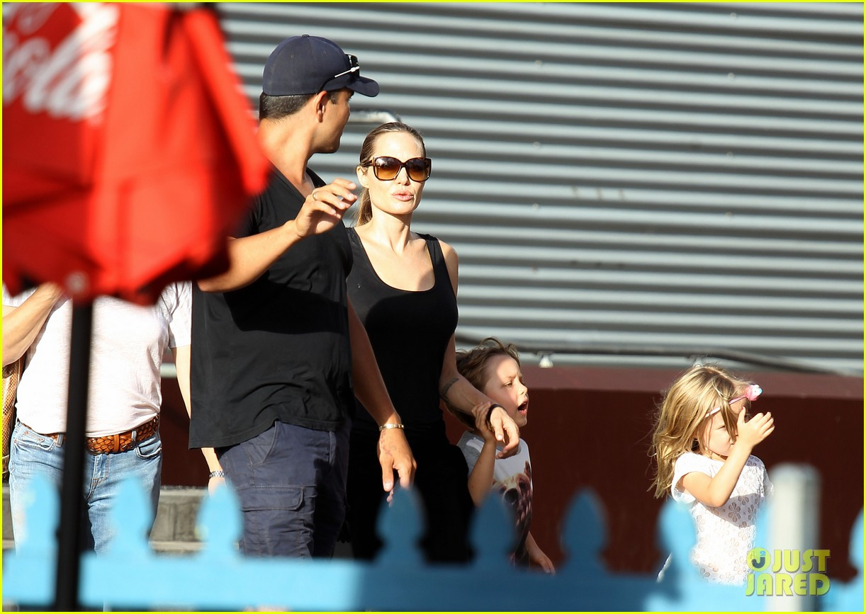 angelina jolie luna park fun with the kids 09