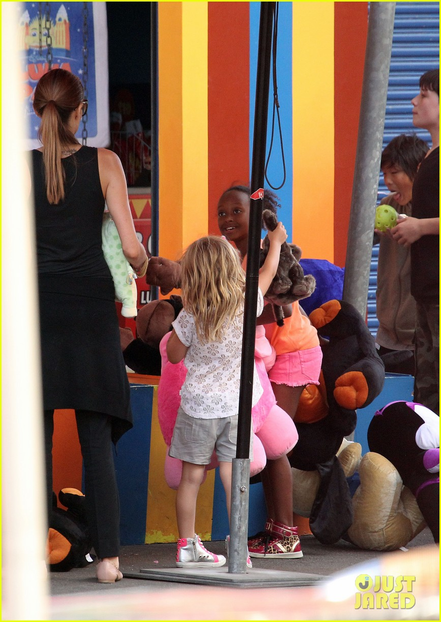 angelina jolie luna park fun with the kids 48